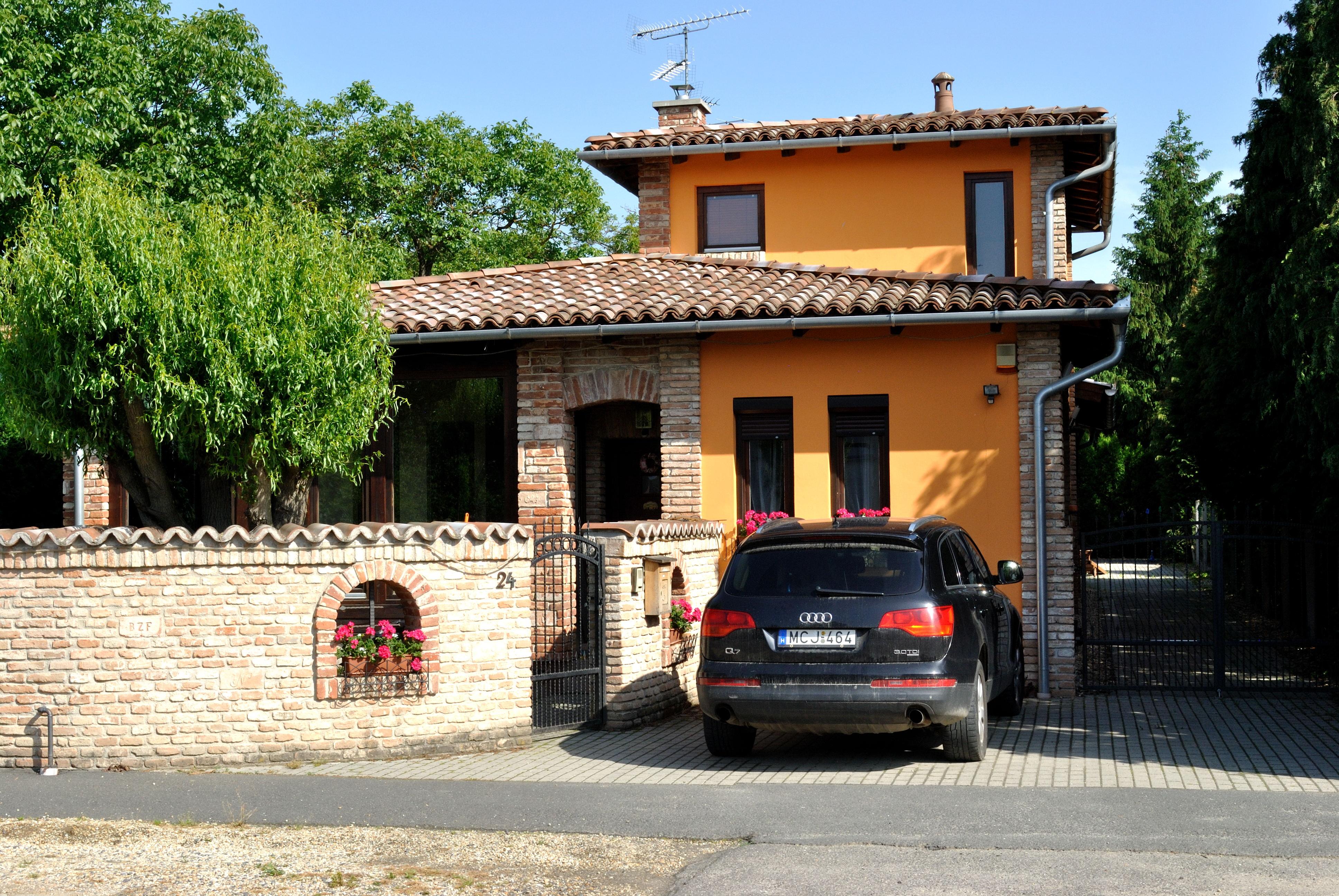 Szombathely, Fadrusz János utca 24., Építés éve 2003, Alapterület 155 m2
